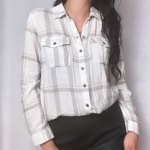 NWT GREY AND WHITE FLANNEL BUTTON DOWN BLOUSE